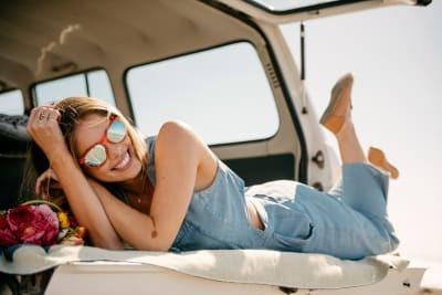 Girl wearing Knockaround sunglasses